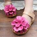 Muchacha del estilo del verano sandalias de cuero flor grande kids shoes niños casual sandalias florales chica shoes tamaño 21-30