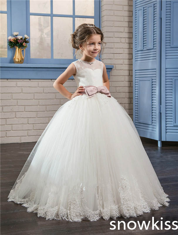 White/ivory first communion dresses for little girls with lace appliques tulle ball gown open back flower girl dresses with bow