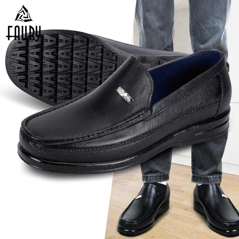 Us 26 98 30 Off Men S Kitchen Shoes Chef Waiter Cleaning Waterproof Non Slip Work Shoes Spring Summer Canteen Restaurant Bakery Hotel Footwear In