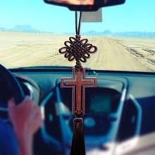 Кристиан Деревянный крест украшение автомобиля Зеркало заднего вида висит Украшения Полые Крест кисточкой Авто Интимные аксессуары декоры