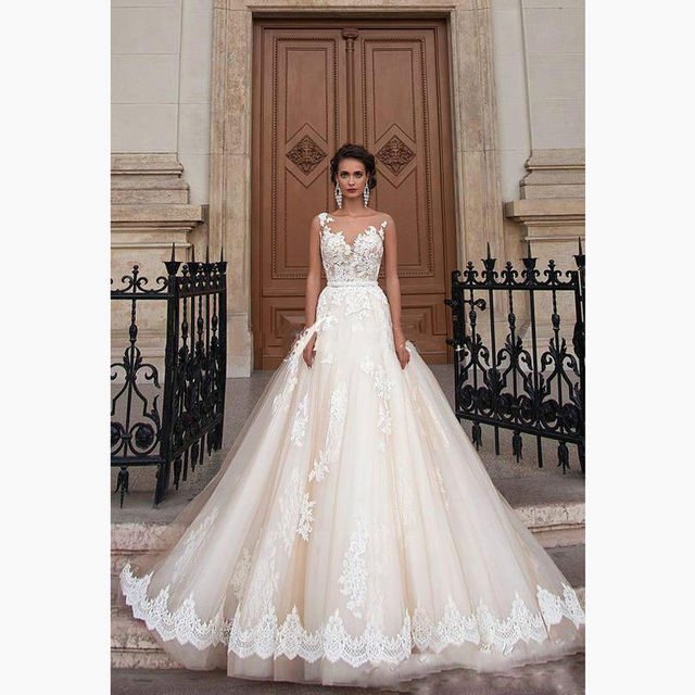 Luxury Tulle Lace Appliques A Line Ball Gowns Floor Length O Neck ...