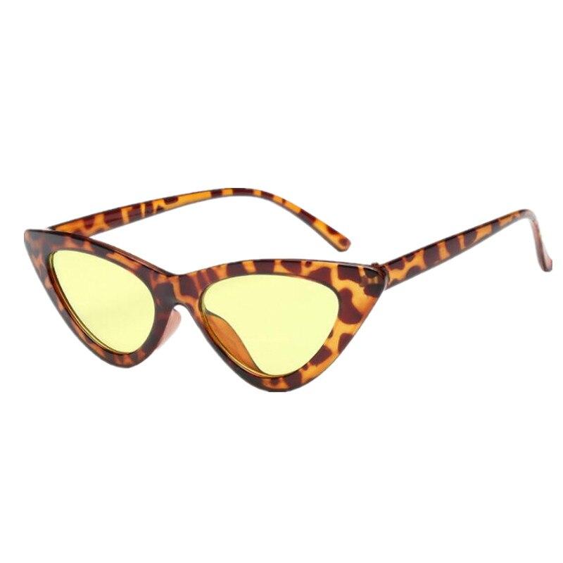 5b2f0569c4 2018 Nouvelle Mode Mignon Sexy Dames Cat Eye lunettes de Soleil Femmes  Vintage Marque Petit Soleil Lunettes Femme Oculos de sol UV400 dans Lunettes  de ...