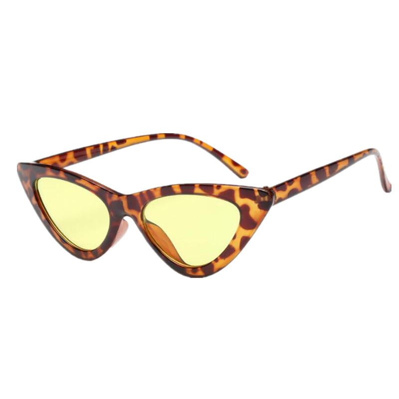 2018 Nova Moda Bonito Senhoras Sexy Olho de Gato Óculos De Sol Das Mulheres  Da Marca Do Vintage Pequeno Óculos de Sol Feminino oculos de sol UV400 em  Óculos ... a44e75958f