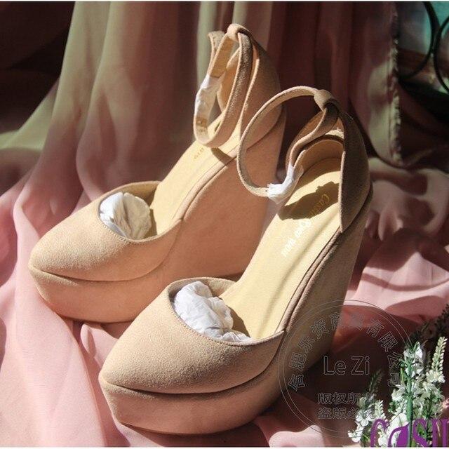 Atractivo Flock Nubuck de Cuero Hebilla Broche Dulce Del Dedo Del Pie Cerrado Zapatos de Las Mujeres Cómodo Cuñas Cúspide Zapatos de Plataforma Princesa Diario