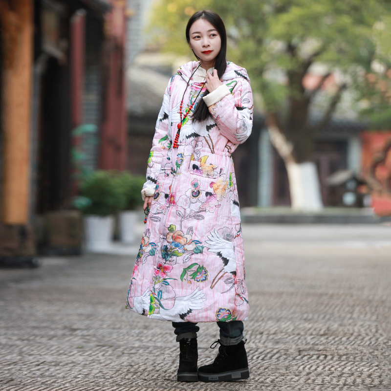 LZJN Lange Warme Winter Jas Vrouwen Roze Parka Etnische Chinese Gewatteerde Jas Crane Print Hooded Uitloper met Riem Koord Coat-in Parka's van Dames Kleding op  Groep 2