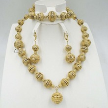 2018 New Wholesale Gorgeous African Vintage Jewelry Sets Gold Color Necklace Set Charms Wedding Bridal Fashion Dubai Jewelry