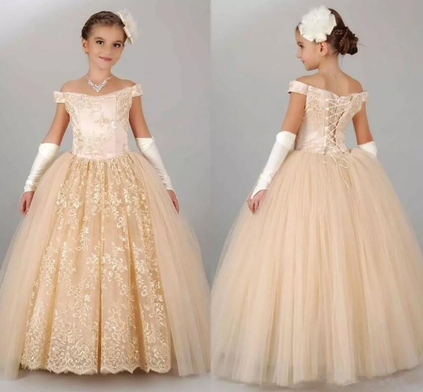 2018 New Champagne Lace Flower Girls Dresses Off Shoulder Princess Party Girls Birthday Pageant First Communion Gowns