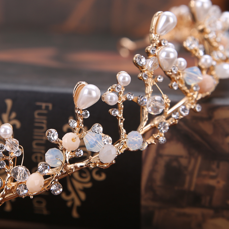 Handmade Vintage Gold Bride Tiaras Pearl Rhinestones Wedding Princess  Crowns Bride Hair Jewelry Wedding Accessories-in Hair Jewelry from Jewelry  ... 161ecd947881