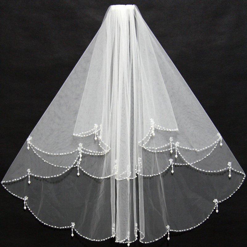 Elegant Short Ivory Bridal Veils Beading Edge Ruffles With Insert Comb Cheap For Wedding Bride Wear 11038