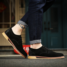 2017 New Arrival Men Casual Shoes Italian Man Suede Flats Shoes Fashion Anti Slip Lace-Up Oxford Male Moccasins Plus Size Shoes