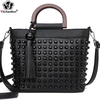 Fashion Sheepskin Leather Women Handbag Luxury Rivet Ladies Hand Bags Tote Bag Famous Brand Messenger Crossbody Bags for Women 2017 soft leather lattice stitching 3 layers of space women tote bags handbags women famous brand casual crossbody bag
