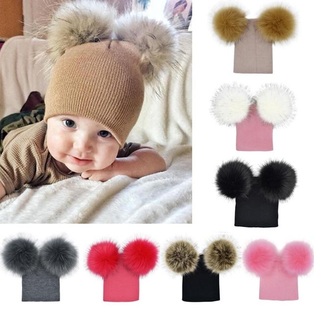 Moda Bebê Crianças Chapéu do Inverno de Malha de Lã Quente Duplo Pompom  Gorros Cap Bonito 7d09059f9c4