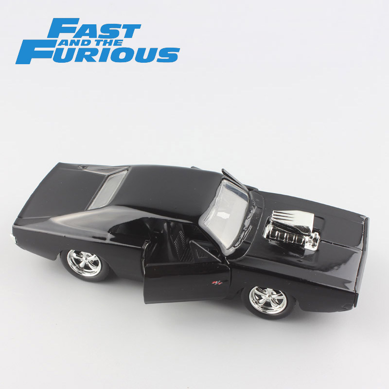 Hot 1:32 Scale mini FAST & FURIOUS Dom's DODGE Charger R/T 1970 metal diecast model race cars muscle vintage toys Cars for boys ixo 1 43 dodge dart dodge daet alloy model cars