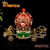 Butterfly Decor Fairy Tale Queen Car Simulation Figurine Vintage Collect Egg Shape Car Souvenir Lady Gift Magnet Metal Crafts