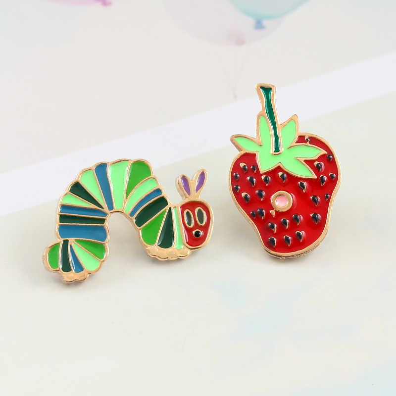 애벌레 딸기 브로치 만화 색 곤충 과일 딸기 잼 에나멜 핀 데님 셔츠 재미 있은 배지 소년 소녀 귀여운 선물
