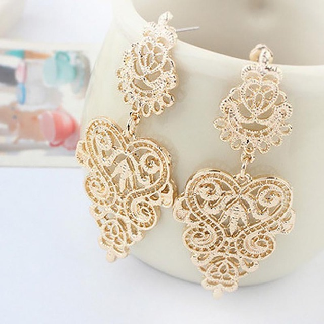 Vintage Hollow Leaves Drop Earrings 2