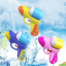 цены Children's Summer Outdoor Beach Water Gun Boys And Girls Play Water Games Water Toys Mini Three Color Small Water Gun Toys
