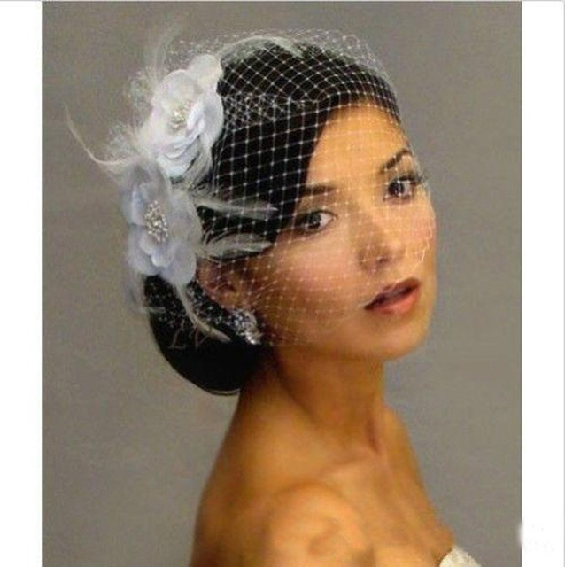 Hot Sale Bird Cage Veil Wedding Veil Birdcage Veil Netting Face Short  Feather Flower White Fascinator Bride Hats with Veil be742a760ee