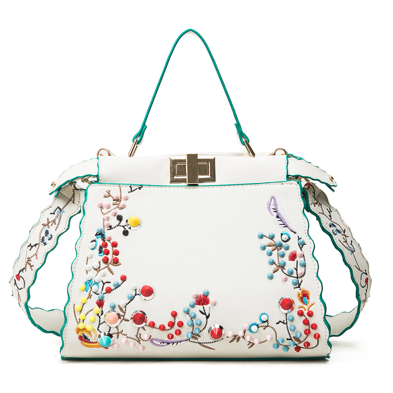 2017 new lady package European and American fashion shoulder bag rivets embroide