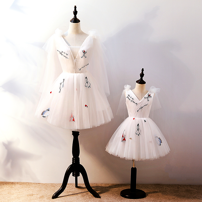 Mother and Daughter Wedding Dress Mommy and Me Clothes White Lace Family Clothing Dress Family Look Mom and Baby Tutu Skirt
