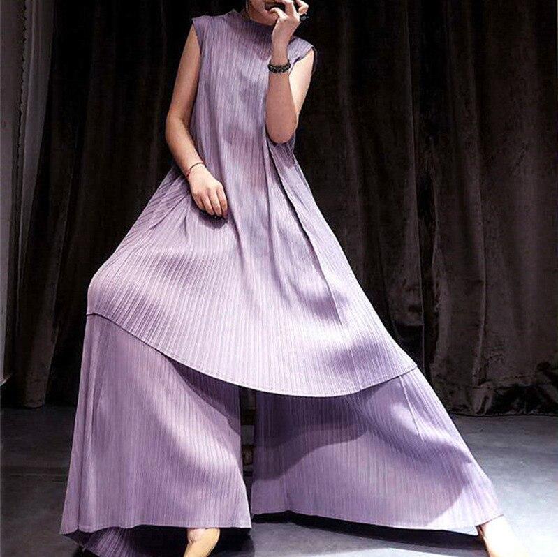 Kadın Giyim'ten Kadın Setleri'de DEAT 2019 yeni yaz moda kadın kıyafetleri yuvarlak boyun kolsuz kazak elbise ve geniş pilili bacaklar külot vintage set WG79301'da  Grup 1