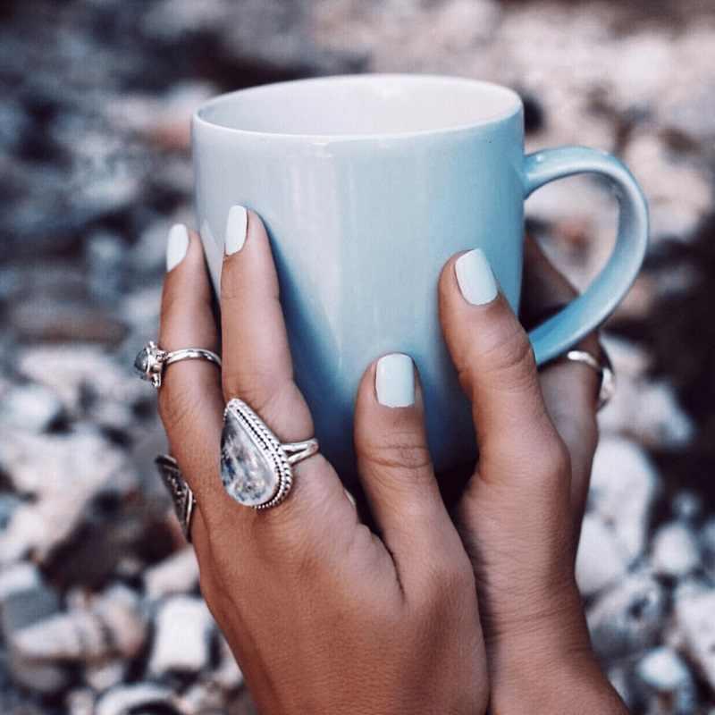 OMHXZJ Bán Buôn Châu Âu Thời Trang Phụ Nữ Cô Gái Bên Món Quà Cưới Bạc Trắng Nước Thả Moonstone 925 Sterling Silver Ring RR18