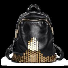 2017 г. винтажные высокое качество с заклепками рюкзак путешествия 100% мягкой натуральной кожи женский рюкзак большой Ёмкость сумка