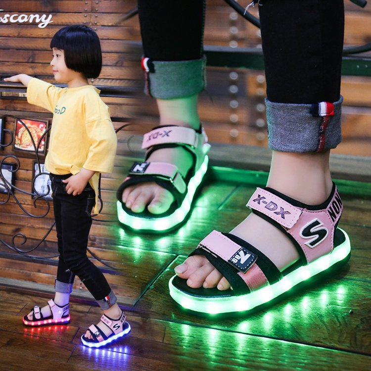 2018 Summer New Boys and Girls Light LED Lamp Sandals Colorful Luminous Breathable Non-slip Sandals
