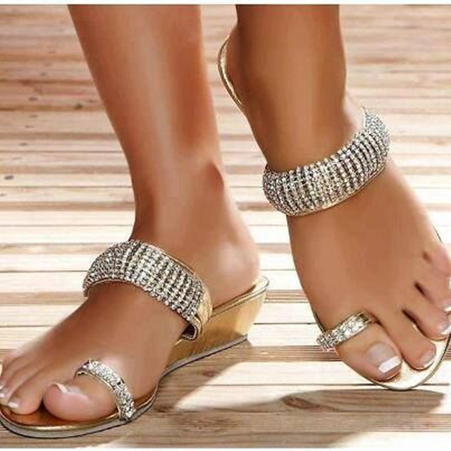 de7e73de8cf Eunice Choo Crystal Decor Toe Ring Design Slippers Summer Wedge Heels  Sandals Gold Outdoor Fashion Casual