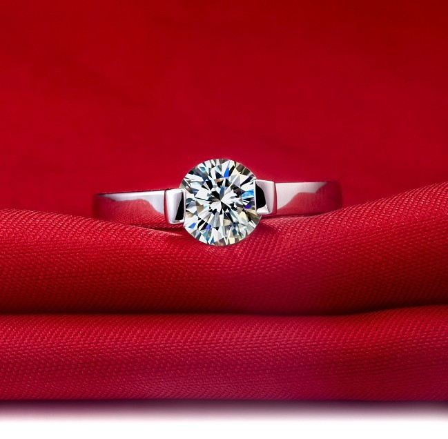 Solid White Gold 750 1ct Solitaire Vogue Synthetic Diamonds Wedding Ring For Women Permanent Quality Female In Engagement Rings From Jewelry