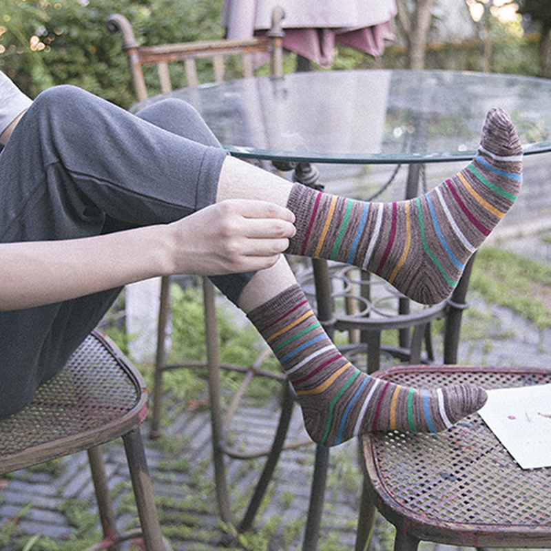 Mens casual pure cotton socks colored striped socks  the new high-quality socks colored combed cotton material