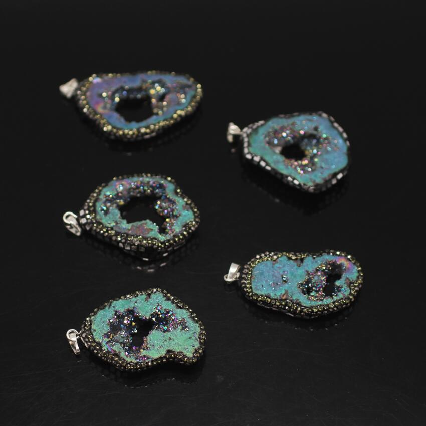5PCS Green Rainbow Titanium Druzy Ag ate Pendant,Drusy Geode freeform Slab Paved Sliver Foil chips Rhinestones Nuggets Pendant