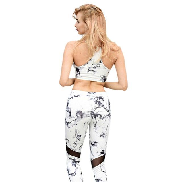 Whatiwear 2017 Yeni spor takım elbise kadın 2 parça set kırpma üst tankı fermuar + Tayt pantolon ile kadın beyaz çiçek eşofman