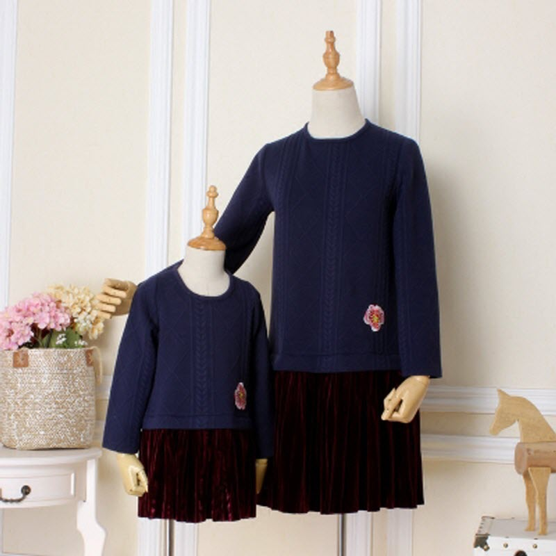 2018 Children clothes Hit color gold velvet women girl family look matching clothing mother daughter mom baby lady pleated dress
