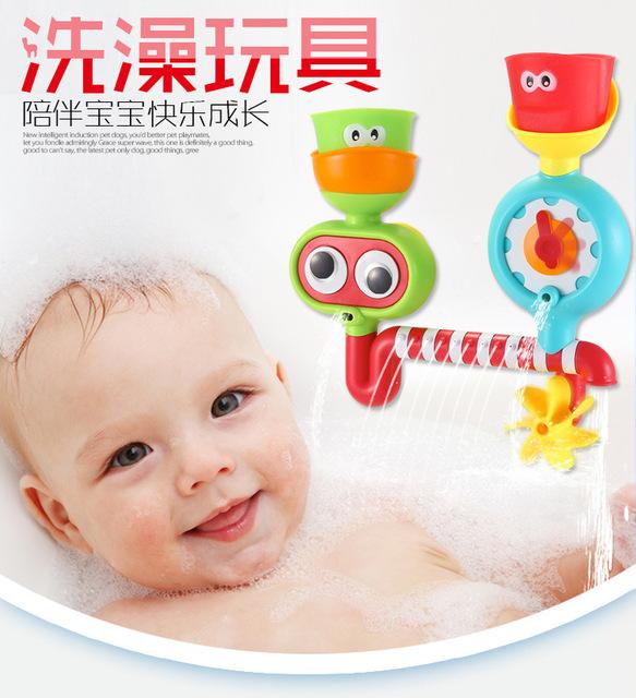 O Envio gratuito de Seguro e Não Tóxico Brinquedos Do Banho Do Bebê Tipo de Roda e Tipo Spray de Água Brinquedos Engraçados Do Bebê Educação Brinquedos de Natal presente