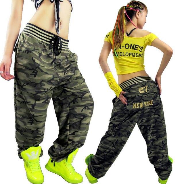 Jazz moda Más Tamaño Sueltan los pantalones de camuflaje para las mujeres  uniforme Militar pantalones de 28db2a484fba