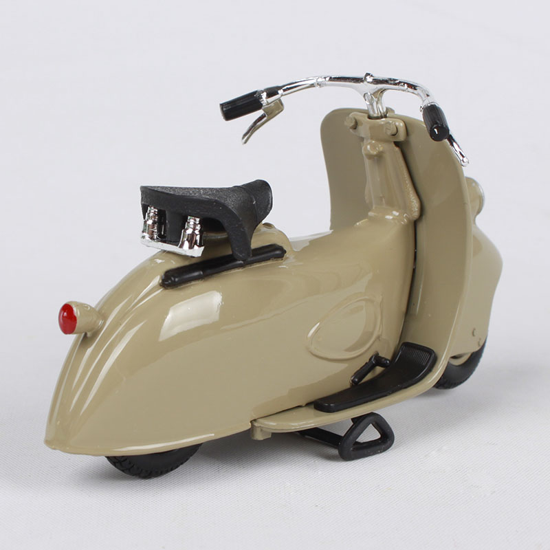 Купить с кэшбэком Maisto 1:18 vespa mp5 paperino 1945 khaki motorcycle diecast vintage motorcycle model toys for children motorbike diecasts 04340