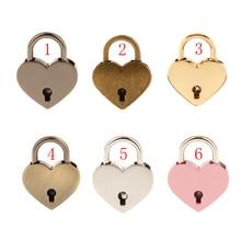 Venta al por mayor nuevo juego de aleación de forma de corazón retro candado con las llaves de armario boda fiesta decoraciones para el hogar M