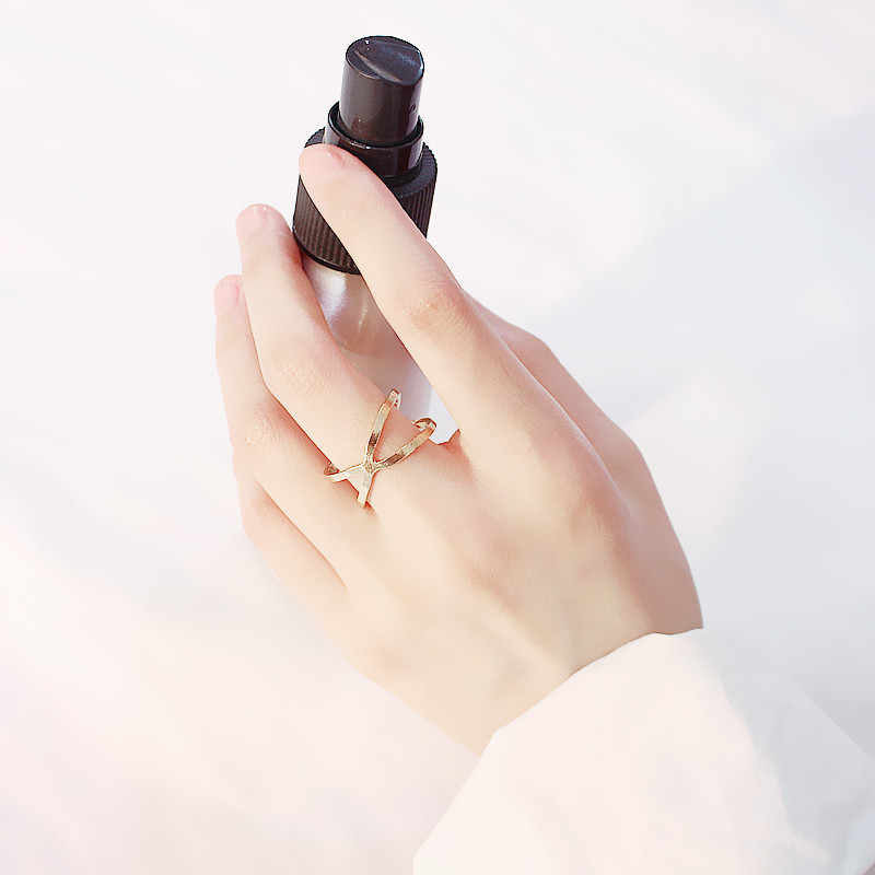 New minimalist ring X cross Three-dimensional hollow surround Ring For women Finger collocation accessories Metal jewelry