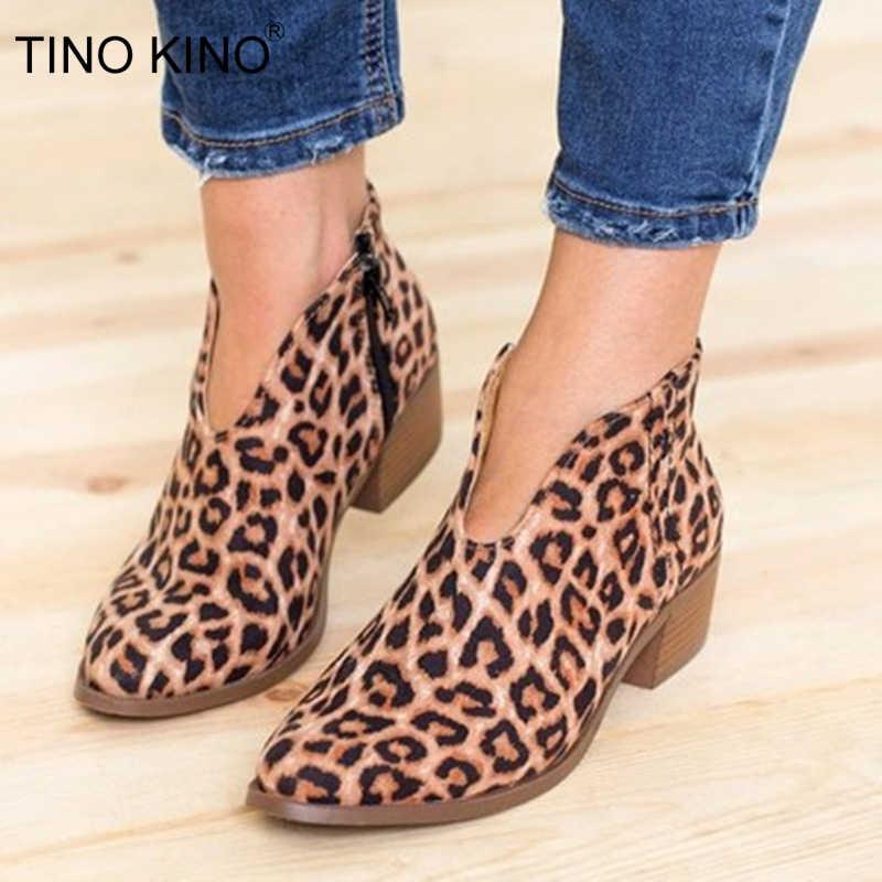 Kadın leopar yarım çizmeler sonbahar kadın derin V şekli sivri burun Zip Vintage moda ayakkabılar bayanlar platformu tıknaz Med topuklar