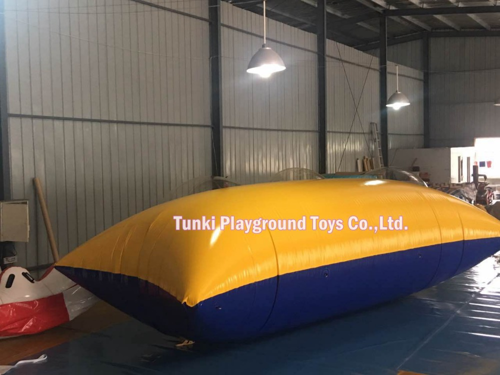 inflatable water blob jumpinflatable water blob jump