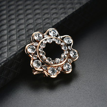 Bunga Hollow Zircon Bertatahkan Dekoratif Bros Pin Wanita Breastpin Pesta Perhiasan(China)