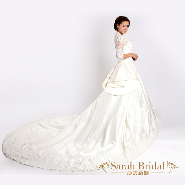 2012 Winter Wedding Dress V Neck Puff Skirt Big Train Luxury Lace Royal