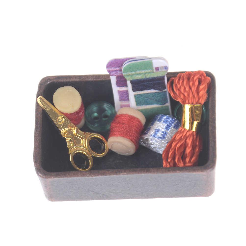 Crianças Decoração De Casa de Bonecas De Madeira Máquina De Costura Tesoura Fio Acessórios para Casa de Bonecas Brinquedos para Meninas 1:12 Móveis Em Miniatura