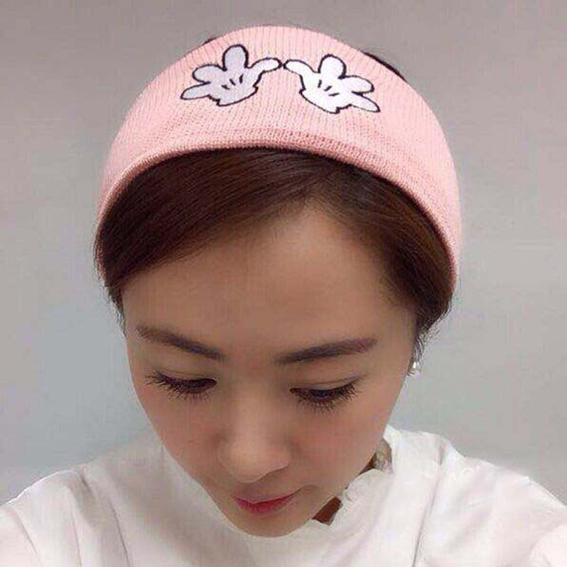 Korea Autumn And Winter Lovely Mickey Hand   Skullies     Beanies   Hats For Women embroidered hair band Knitted Caps 3 colors 8067
