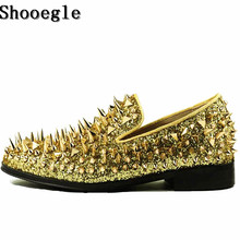 SHOOEGLE New Factory Customized Men Luxury Shinny Glitter Gold and Silver Spikes Shoes Slip On Loafers Rivets Men Party Shoes цена в Москве и Питере