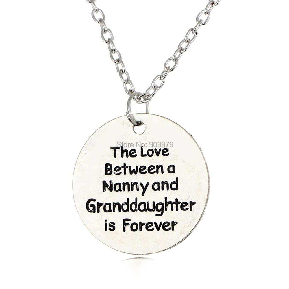 Forever Loveระหว่างพี่เลี้ยงและGranddaughterจี้สร้อยคอแฟชั่นคำพูดตัวอักษรครอบครัวยายยายวินเทจของขวัญ