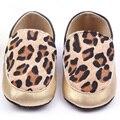 Новорожденный Дети Девочка Печати Леопарда Обувь Детская Искусственная Кожа Скольжения На Шпаргалки Prewalker для Всех Сезонов