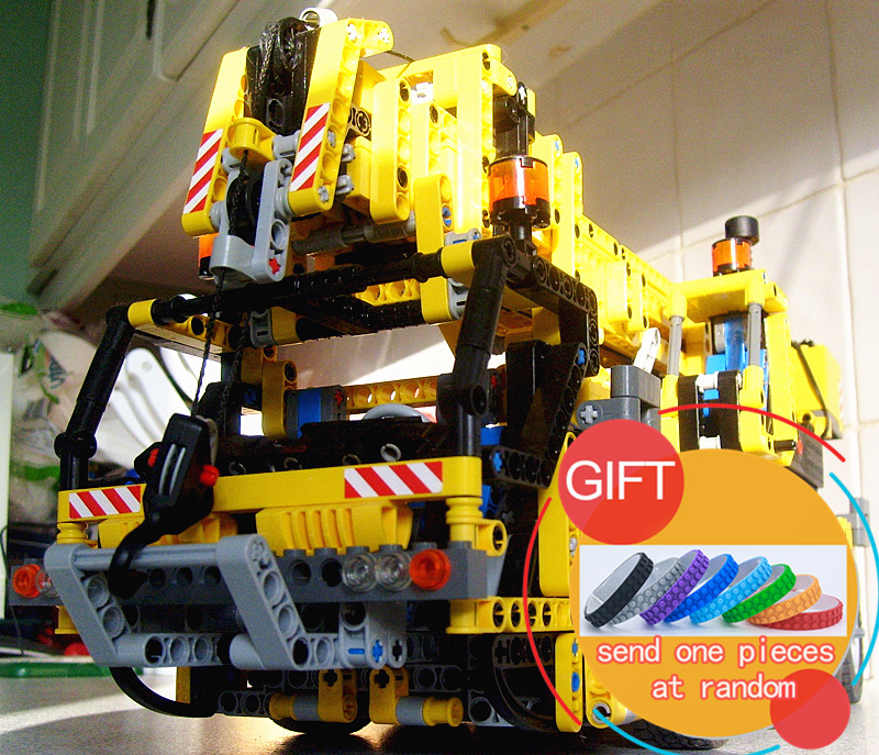 20068 1884Pcs Technic Mechanical Series The Moving Crane Set Children Educational Building Blocks Bricks Toys Model 8421 lepin wange mechanical application of the crown gear model building blocks for children the pulley scientific learning education toys