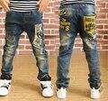 2015 Розничная новая коллекция весна Мальчики джинсы брюки письмо слова карманные дети твердые брюки Дети джинсы дети мальчик джинсовые брюки